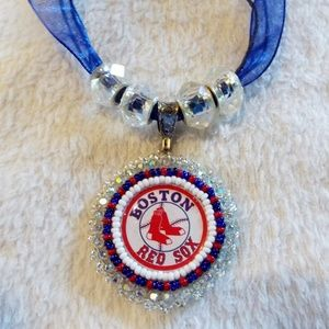 Boston Red Sox hand  beaded medallion necklace new